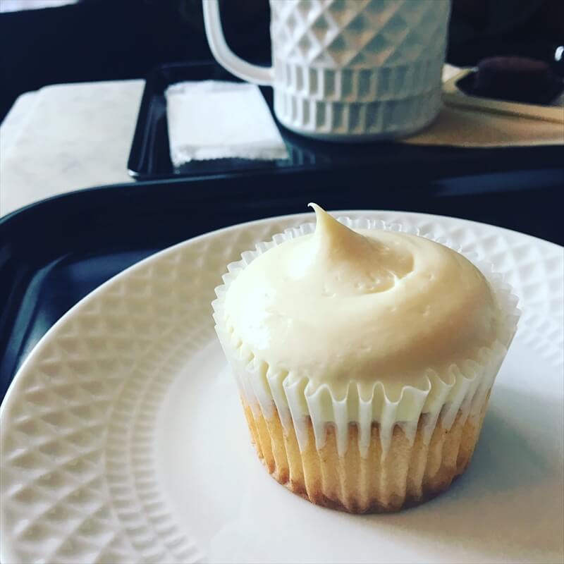 エイミーズ ベイクショップの人気メニュー/ダブルレモンのカップケーキ