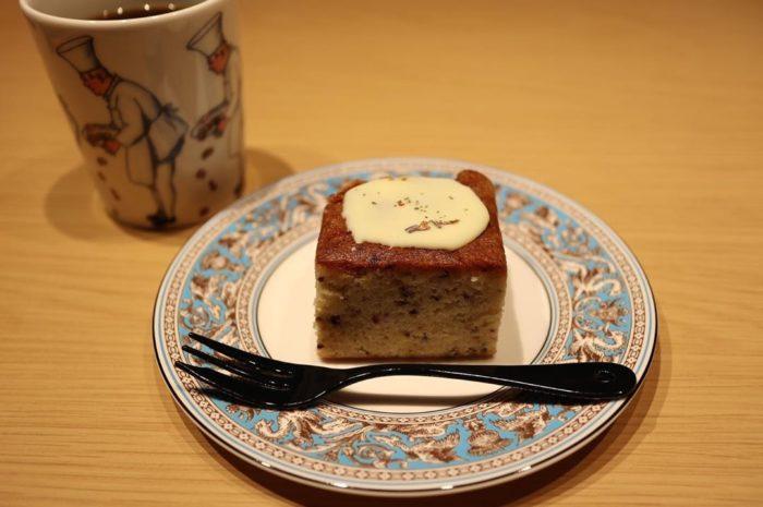 チリムーロ/人気メニュー/パルフェタムールホワイトチョコがけケーキ