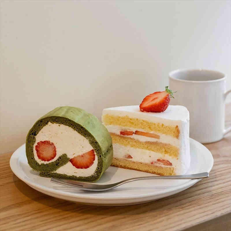 アフターアワーズ/人気スイーツ/ショートケーキと抹茶ロール