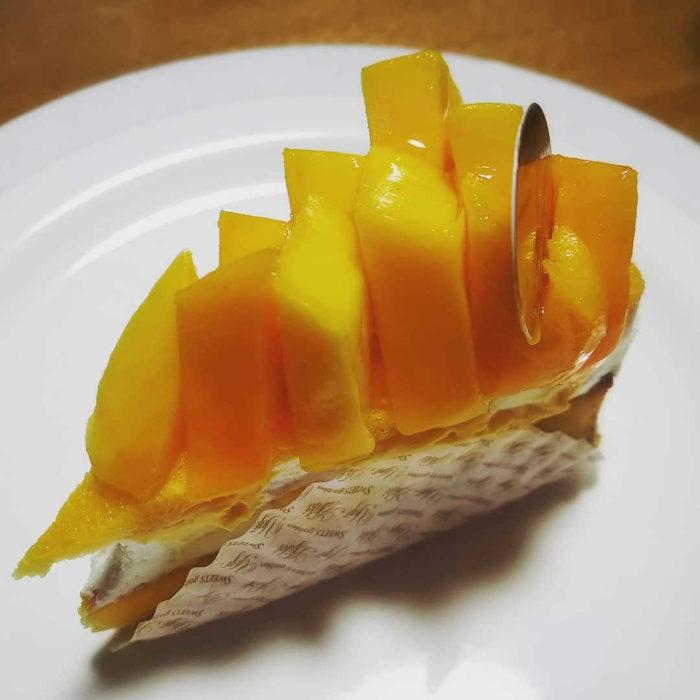 スイーツガーデン・ユウジ・アジキの人気メニュー/完熟マンゴーとレアチーズのタルト